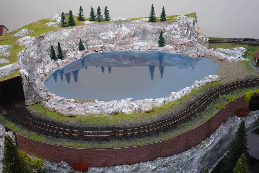 Bottega dei plastici 003 come realizzare un laghetto for Laghetto acqua verde