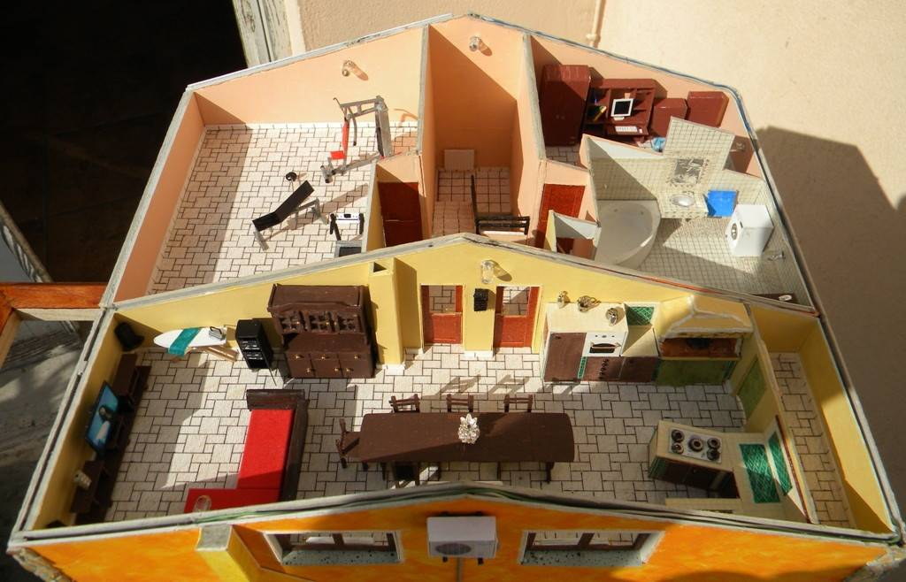 067 diorama la casa di valy e fede in scala 1 43 for Piano casa palestra