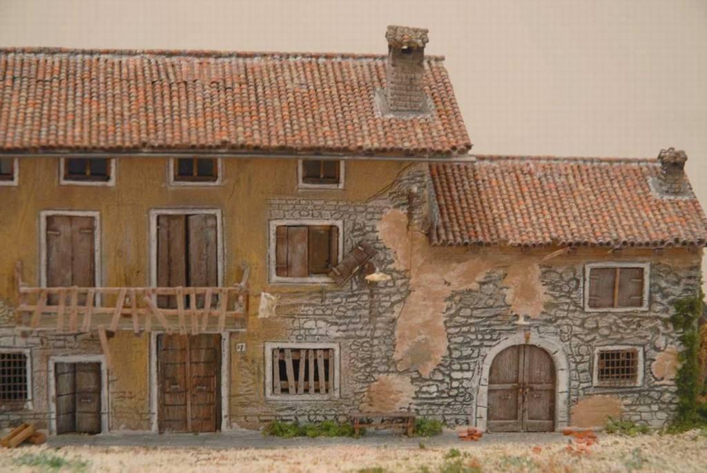 102 diorama una casa di campagna diroccata for Case colorate esterni