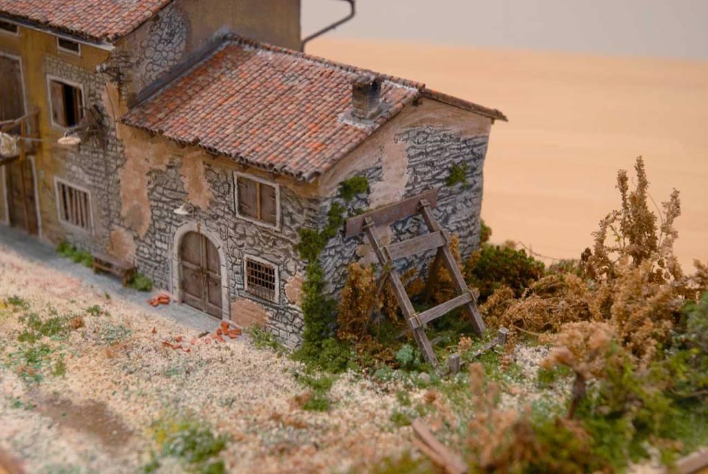 102 diorama una casa di campagna diroccata for Immagini di case rustiche